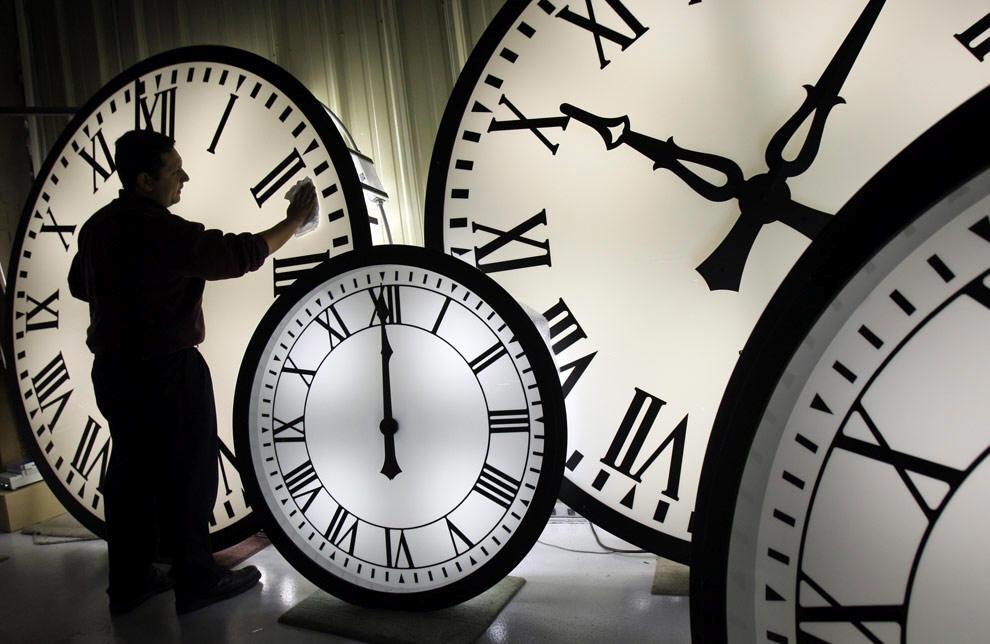 Сочинение на тему «Время -  ткань, из которой состоит жизнь.