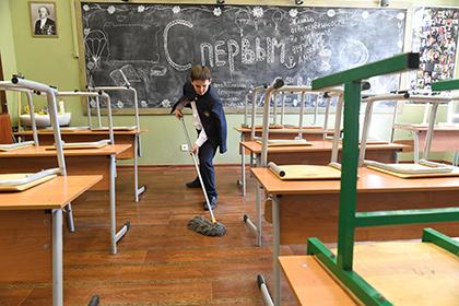 Министр образования: уборка в школах прекратит воспитывать «потребителей»