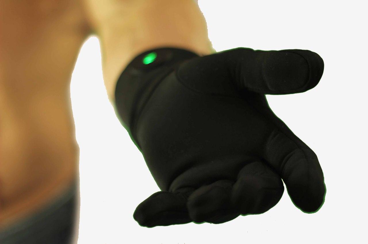 Для спасения рук в мороз студенты ТПУ разрабатывают перчатки с подогревом