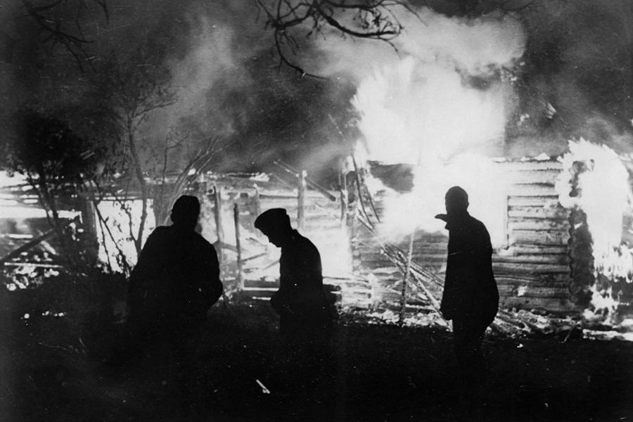 74 года назад была сожжена белорусская деревня Хатынь