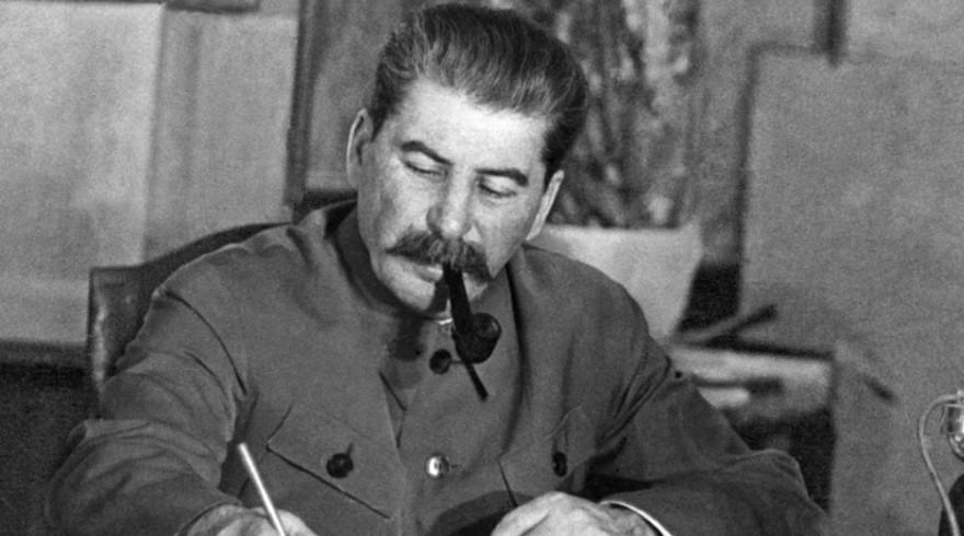 Андрей Фурсов – без сталинского фундамента нас ожидала бы участь сербов и ливийцев
