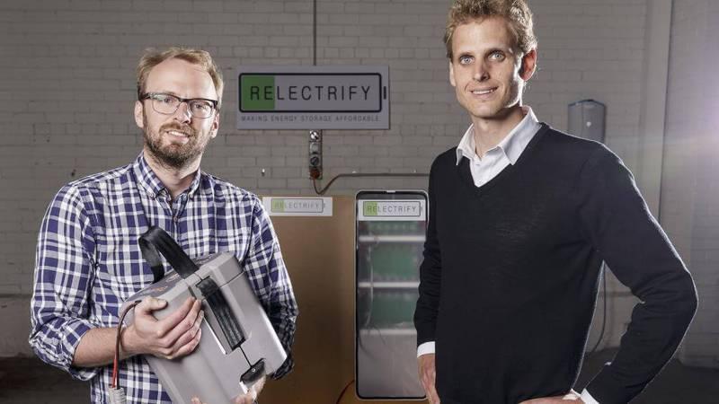 Старые автомобильные аккумуляторы можно использовать для хранения солнечной энергии в домах