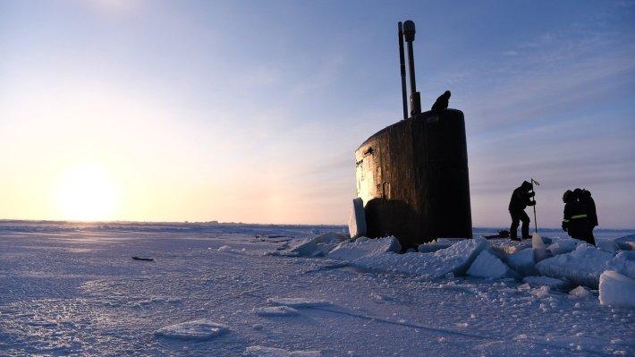 «Одну топором вырубают, у другой ядерный реактор треснул от страха»: попытки США и Британии «устрашить» Москву подводными лодками оценили в России.
